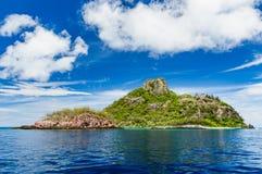 在一个晴朗的下午的热带塑象海岛 免版税库存照片