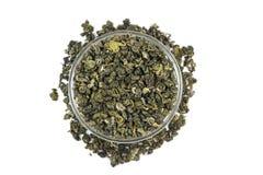 在一个玻璃容器的几宽松绿茶 免版税库存图片