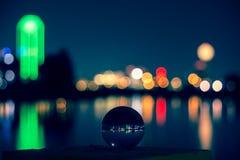 在一个玻璃球的达拉斯地平线 免版税库存图片