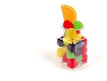 在一个玻璃碗的含糖的森林莓果 库存图片