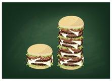 在一个绿色黑板的大乳酪汉堡 向量例证