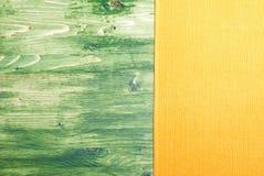 在一个绿色黑板的餐巾在右边, te的左空间 库存图片
