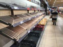 在一个Lidl超级市场的食物亦称短缺在风暴埃玛的前一天从东方的野兽击中了爱尔兰 库存图片