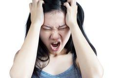 在一名妇女的头疼症状白色背景的 在白色背景的裁减路线 图库摄影