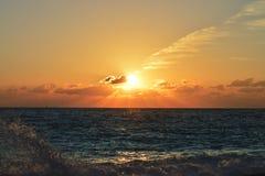 在一场重的风暴以后的美好的日落 图库摄影