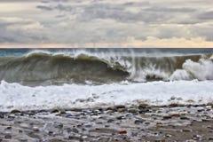 在一场风暴期间的波浪在黑海 库存照片