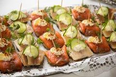在一块板材的开胃菜在自助餐 免版税库存图片