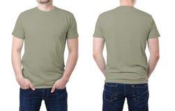 在一块年轻人模板的卡其色的T恤杉 免版税图库摄影