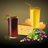 在一块玻璃的新鲜的桔子和樱桃汁用果子 库存图片