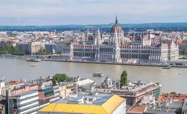 在一多云天从上面看见的布达佩斯,匈牙利 库存照片