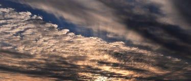 在一多云天 库存照片