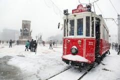 在一多雪的日的伊斯坦布尔 库存照片