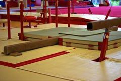 在一家体操俱乐部的体操设备 库存图片