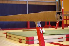 在一家体操俱乐部的体操设备 免版税库存图片