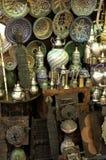 在一家古董店的老对象在马拉喀什 库存照片