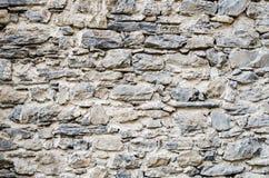 在一座城堡的古老石墙在意大利 库存图片