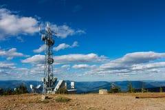 在一座山的上面的GPS塔在克里斯顿谷,Kootenays,BC 库存图片