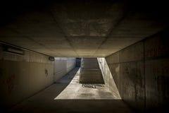 在一座桥梁的台阶在Sant Cugat del Valles巴塞罗那 免版税库存照片