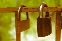 在一座桥梁的爱挂锁在亚列姆切 免版税库存图片
