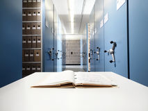 在一张书桌上的文件在档案里 图库摄影