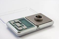 在一数字式等级的定婚戒指 库存图片