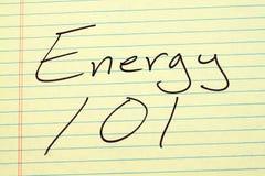 在一本黄色便笺簿的能量101 库存图片
