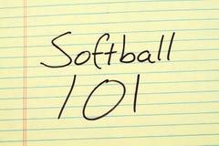 在一本黄色便笺簿的垒球101 免版税图库摄影