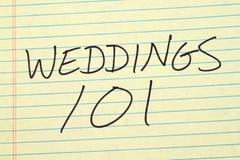 在一本黄色便笺簿的婚礼101 库存照片