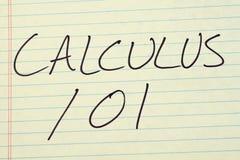 在一本黄色便笺簿的微积分101 免版税库存照片