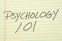 在一本黄色便笺簿的心理学101 免版税图库摄影