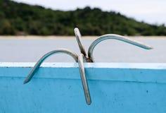 在一条传统木小船的小锚 库存照片