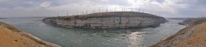 在一条北河的岩石急流 免版税库存图片
