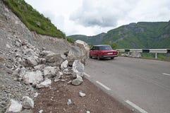 在一条山路的山崩在亚美尼亚 免版税图库摄影