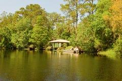 在一条河的小船乘驾在佛罗里达 库存图片