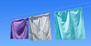 在一条洗涤的线的色的装备 图库摄影