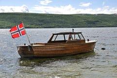 在一条老小船的挪威标志 库存照片