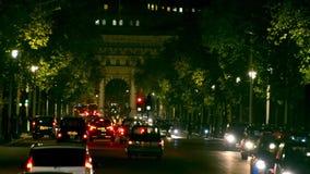 在一条街道上的交通在伦敦 股票视频