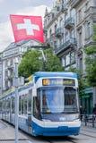 在一条街道上的电车在苏黎世 免版税库存照片