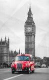 在一条街道上的著名小室在伦敦 免版税库存照片