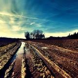 在一条道路的泥在镇附近在捷克 库存图片