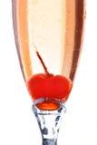 在一杯的一棵樱桃鸡尾酒里面 免版税库存图片