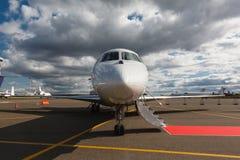 在一架专用喷气机的梯子 免版税库存照片