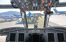在一架军用直升机里面的仪表板 免版税图库摄影