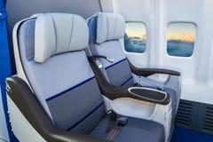 在一架现代飞机的空位 库存图片