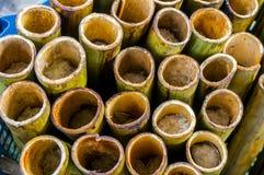 在一根被挖空的竹棍子的Lemang 免版税库存照片