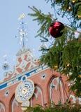 在一棵christmass树的装饰在里加 库存图片