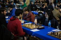 在一次地方比赛期间的下象棋者 库存图片