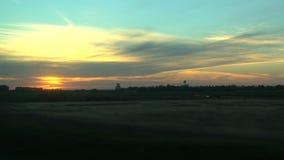 在一次火车游览时的日落视图从多伦多向温哥华,加拿大 影视素材