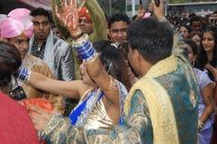 在一点印度的街道的印地安婚礼在新加坡 免版税库存照片