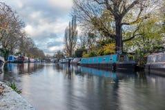 在一点威尼斯浇灌运河和反射在伦敦- 2 免版税图库摄影
